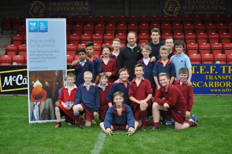GRAHAM SCHOOL PUPILS WITH MIKE CATT OBE AND TOM CHADWICK