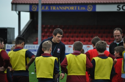 YDO TOM CHADWICK WITH THE YOUNG PLAYERS
