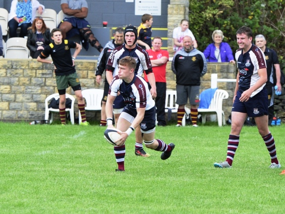JORDAN WAKEHAM SCORED TWO FIRST HALF TRIES AT HEATH TODAY picture: ANDY STANDING