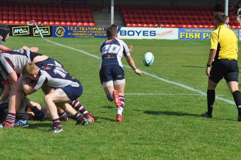 2016-08-19 JORD CLEARS FROM A SCRUM